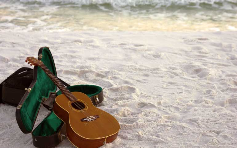 Tips on looking after your guitar in summer