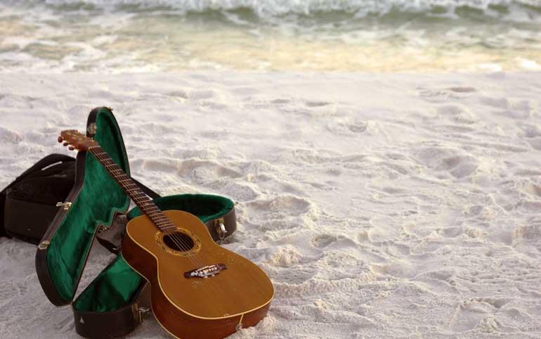 Consejos para cuidar tu guitarra en verano